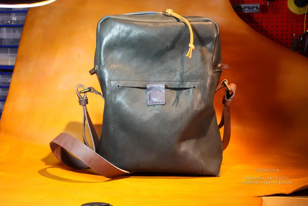 Надёжная полностью кожаная мужская сумка из лошадиной кожи растительного дубления Horween, сделана в Москве доставка по России и Миру.