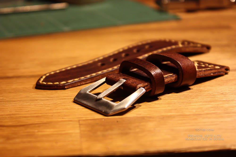 Ремешок ручной работы для часов Hamilton American Jazzmaster изготовлен в Москве из кожи растительного дубления американского завода Horween