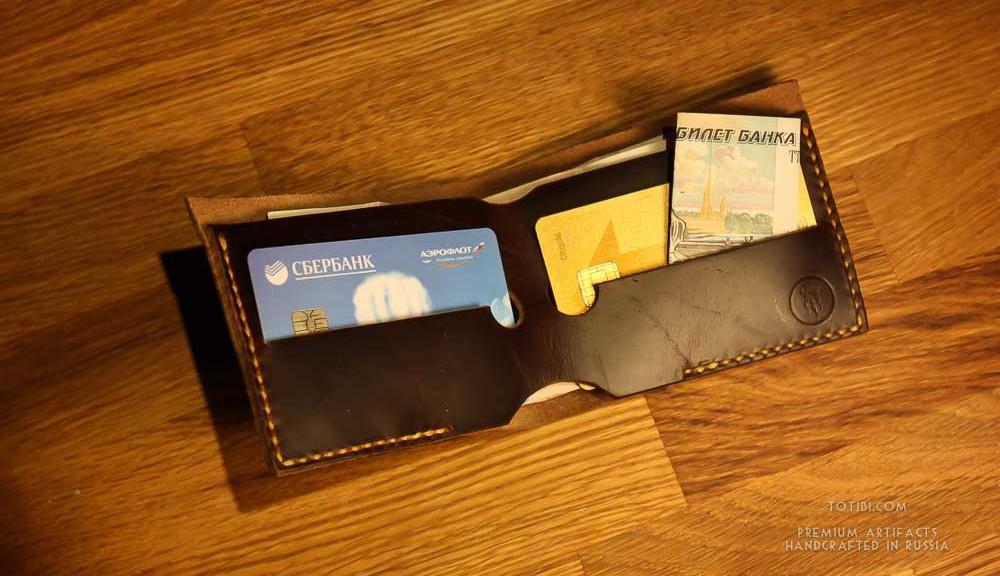Долговечный минимал бумажник ручной работы из кожи shell cordovan сделанный вручную в Москее с доставкой в любую точку России и мира.
