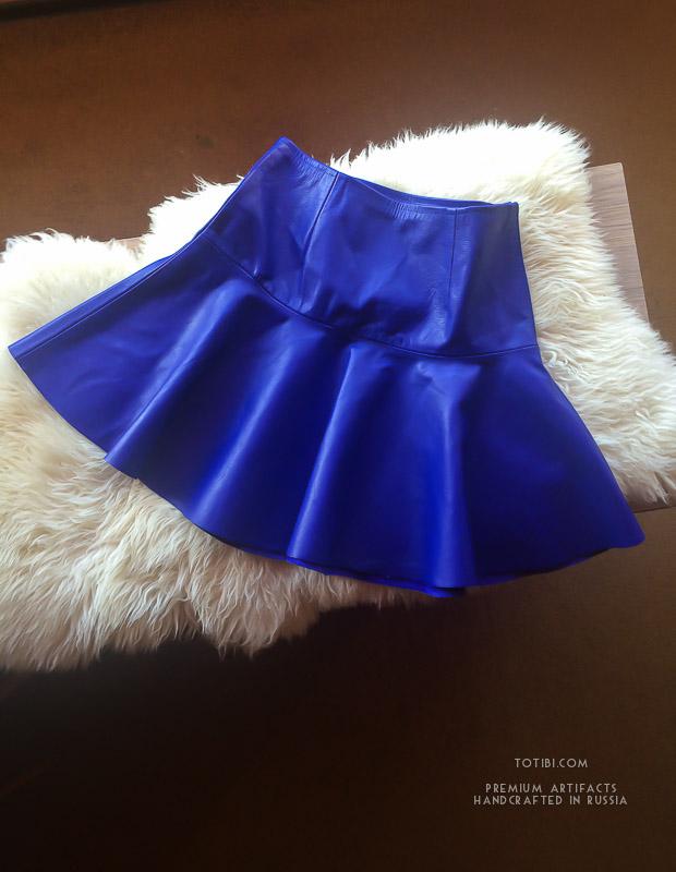 Яркие позитивные кожаные юбки шьем в Москве под любой размер и доставляем по России и зарубеж.