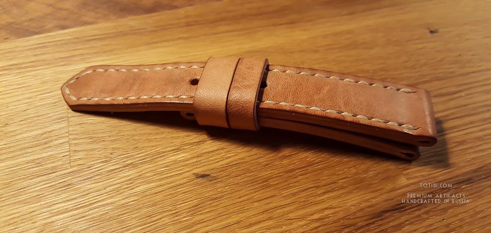 Часовой ремешок ручной работы для часов Breitling из лошадиной кожи shell cordovan естественного цвета.