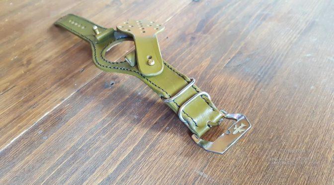 Надёжный кожаный ремешок из лошадиной кожи для умных смарт часов samsung iwatch. Сделан в Москве с доставкой по России и зарубеж.