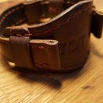Широкий часовой ремешок ручной работы из надёжной американской кожи для часов IWC