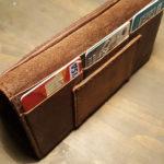 Брутальный мужской кошелек из кожи лошади horween, сделан в Москве вручную, чтобы служить долго и каждый день радовать.