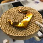 Отлитые вручную застежки из бронзы латуни и стали для любых часов. Сделано в Москве.
