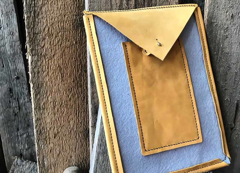 Чехол ручной работы для планшета ipad pro из кожи рачтительного дубления и фетра. Сделан в Москве с душой, чтобы служить долго.