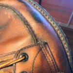 Рад сообщить, что теперь мы научились менять подошву на всех Ботинках с системой Goodyear. Да да, это именно ресолинг (resole), то что так распространено на западе и чего так нехватает у нас в Москве. Это, как привило, все американские ботинки и сапоги. Если у вас есть любимая пара обуви в которой стёрлась подошва и вы не из тех, кто выбрасывает дорогие сердцу обретшие патину и характер боты, то вы оказались именно в том месте где вам в течение нескольких дней заменят подошву на качественную новую фирмы Vibram. Если вы в другом городе- нет проблем, присылайте ботинки нам, мы их восстановим и отправим вам обратно.