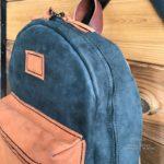 Полностью кожаный рюкзак ручной работы сделан вручную в Москве чтобы служить долго и каждый день радовать и стареть красиво обретая богатую патину.