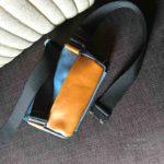 Готова сумка на пояс из лошидиной кожи двух цветов. Ручная работа. Три отделения, два из которых на молнии. На ремне использована военная металлическая застежка-кобра. Сумку удобно брать каждый день с собой, чтобы иметь бумажник, мобильник и ключи, всегда под рукой в легком доступе.