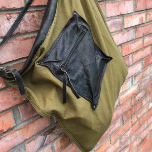 Большая кожаная сумка для тренировок и повседневного использования. Ручная работа, сделана в Москве.