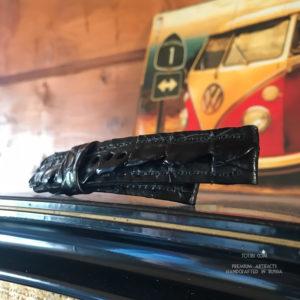 Ремешок ручной работы из хвоста крокодила для часов u-boat сделан в Москве доставка по России.