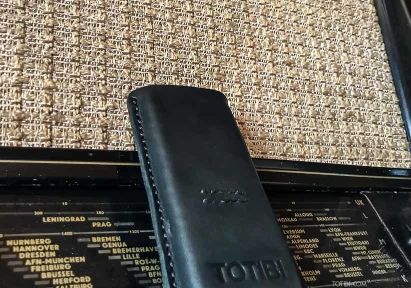 Кожаный чехол для телефона nokia 8800 art carbon ручная работа сделано в Москве доставка по России
