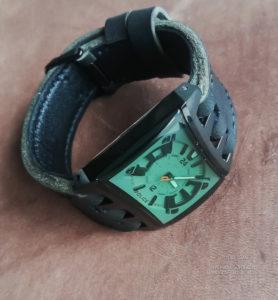 Ремешок ручной работы для часов Police со сложным креплением ремешка к корпусу часов сделано в Москве доставка по России.